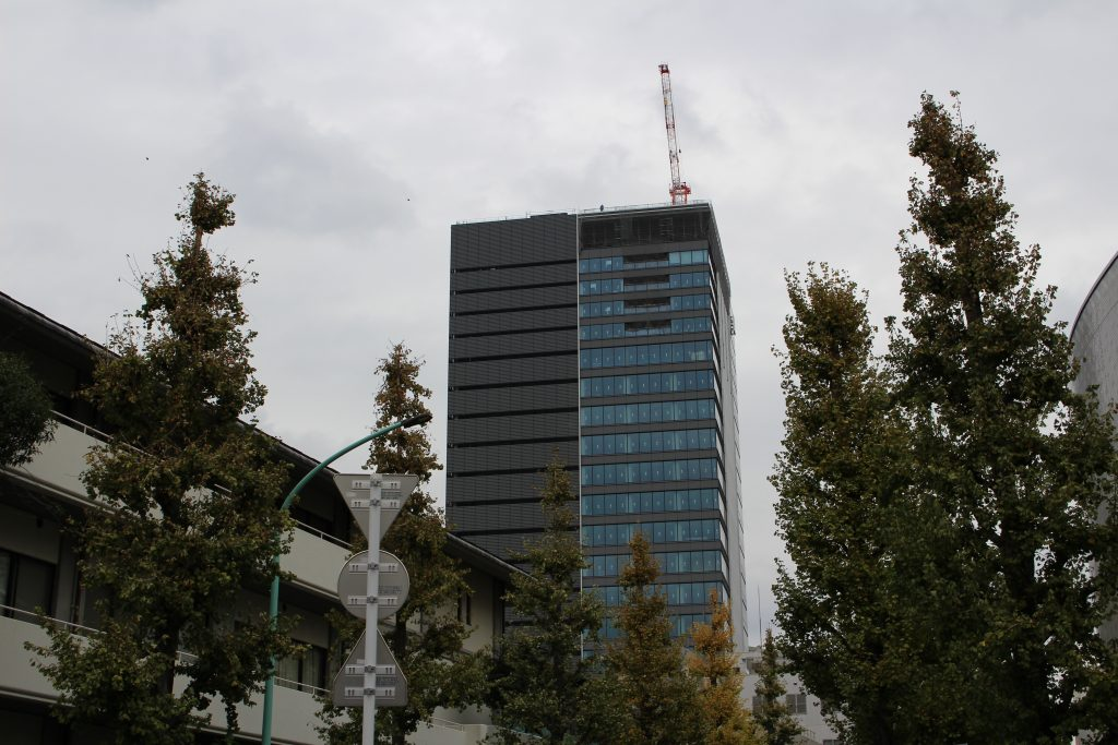 建設中のアベマタワーズ4