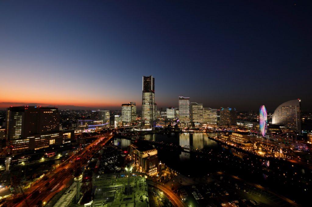 みなとみらい全館点灯「タワーズミライト」の過去の写真3