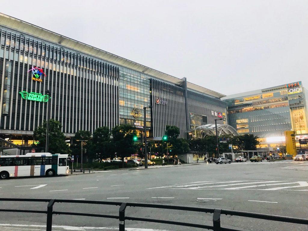 拡張が発表された博多駅ビルの写真