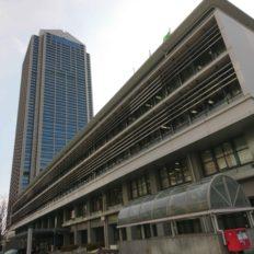 建て替えが計画されている神戸市役所2号館の外観写真