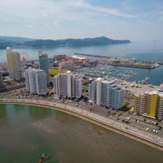和歌山市の市街地の風景写真