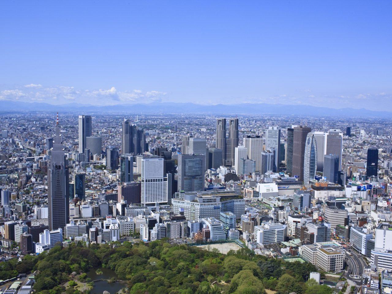 新宿駅周辺の空撮写真