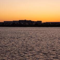 越谷レイクタウン駅周辺の調整池の風景写真