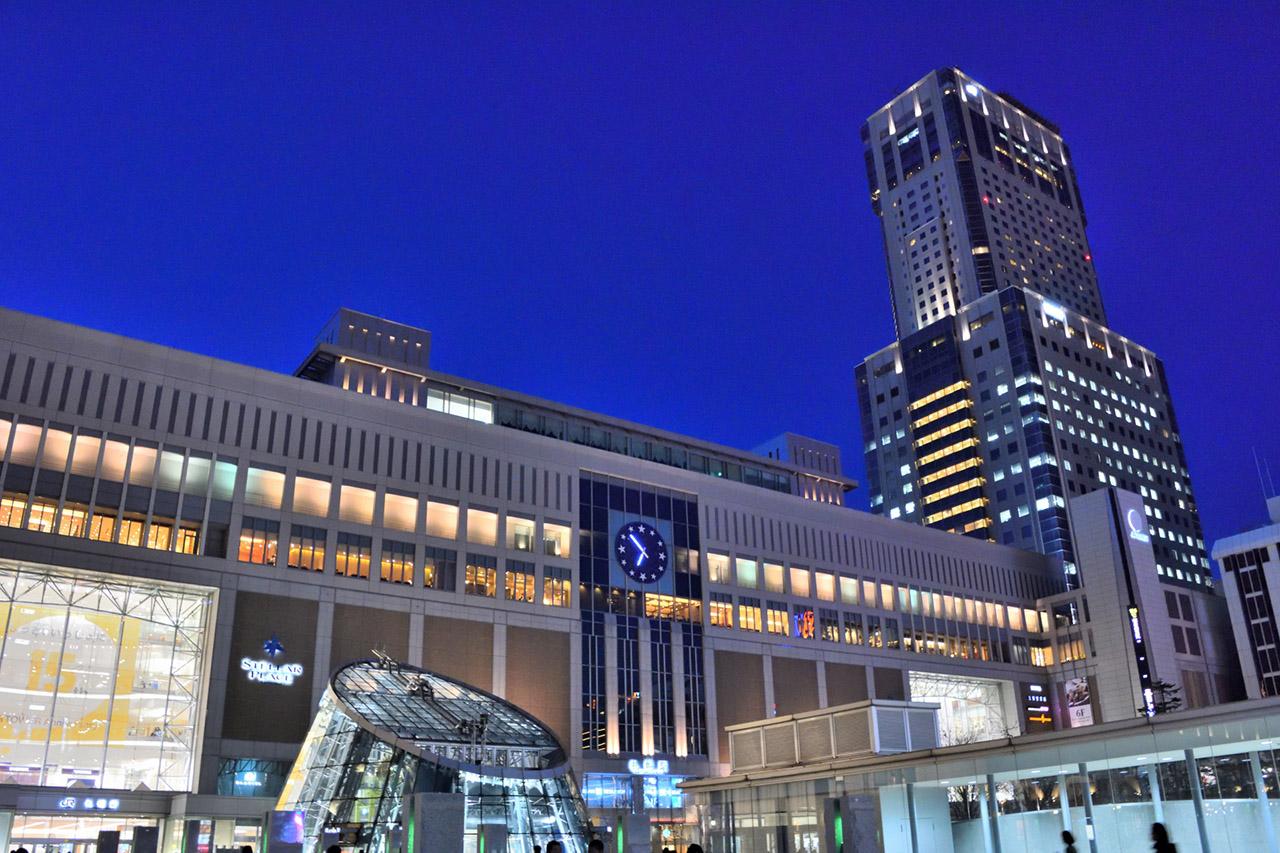 北海道の中心都市札幌市の札幌駅前の風景写真