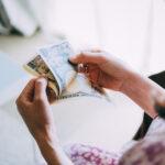 auのpovo(ポヴォ)に最低利用期間や契約期間や2年縛りはある?